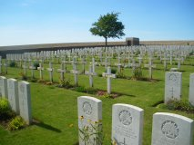 Ovillers-la-Boisselle (VILLERS-MILITARY-CEMETERY)